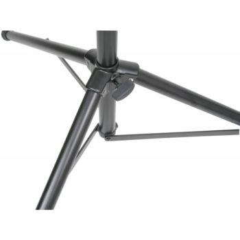 This is a great sturdy mast with tripod that can extend upto 13ft - ideal for the bottom of the garden or going portable.